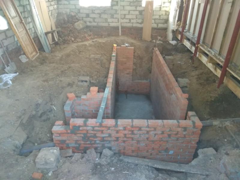 кирпичные стены под погреб