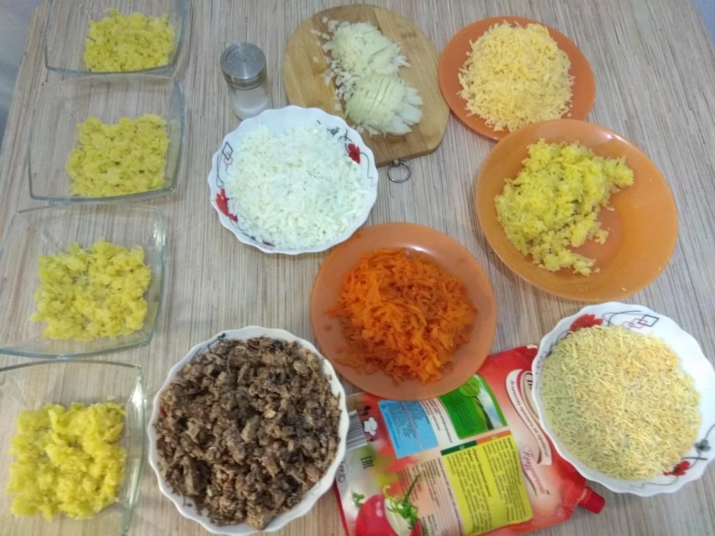 Готовим салат Мимоза