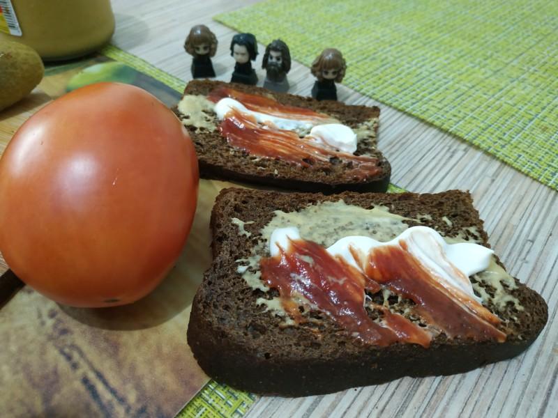 Горчица, майонез и кетчуп
