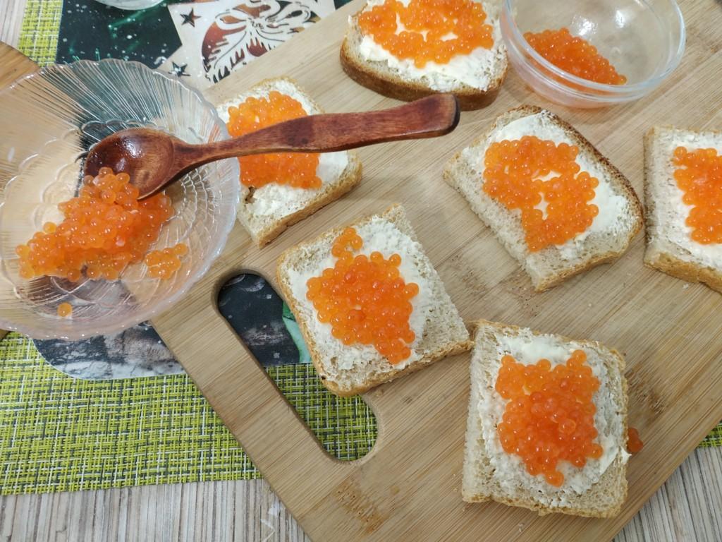 Прошу к столу – бутерброды с красной икрой