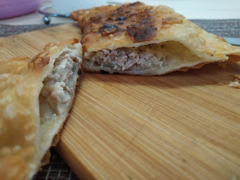 Сочные чебуреки с мясом. Пошаговый фото рецепт