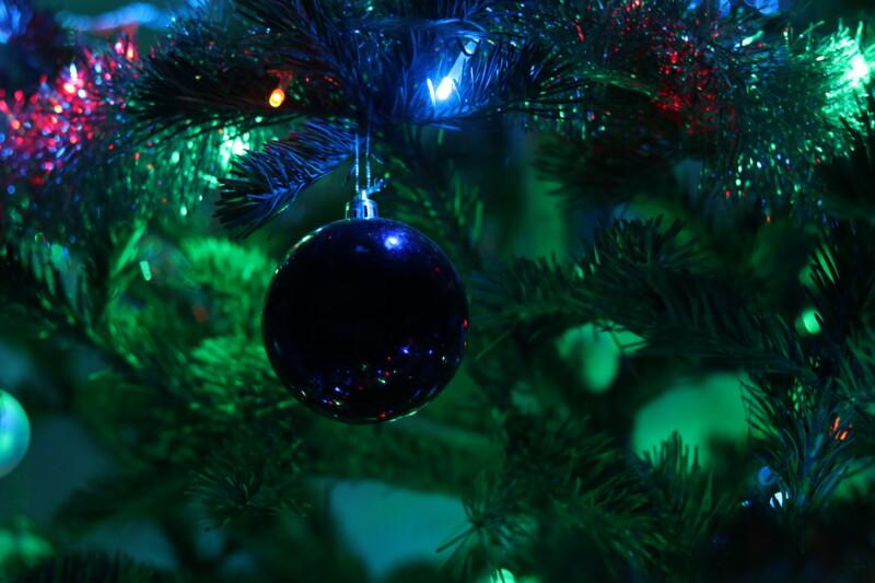 Зажгите рождественскую ёлку